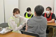 日本六旬女子打完新冠疫苗 在接种点厕所身亡