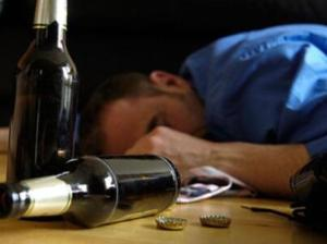 酒精中毒症状有哪些 酒精中毒怎么办