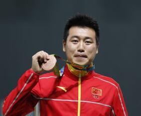 庞伟弥补个人赛遗憾 率河北夺10米气手枪团体冠军