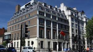英政府将于31日起实施BNO签证政策,中使馆:将做出有力回应