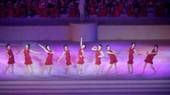 朝鲜举行庆祝劳动党第八次代表大会大型演出