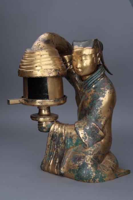 长信宫灯。图片来源:河北博物院网站