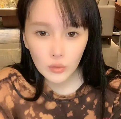 赵本山女儿谈父亲近况:没被捕 给我在北京买房了