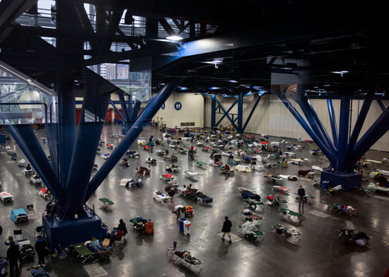 700多名得州民众居住在临时避难所。/推特截图
