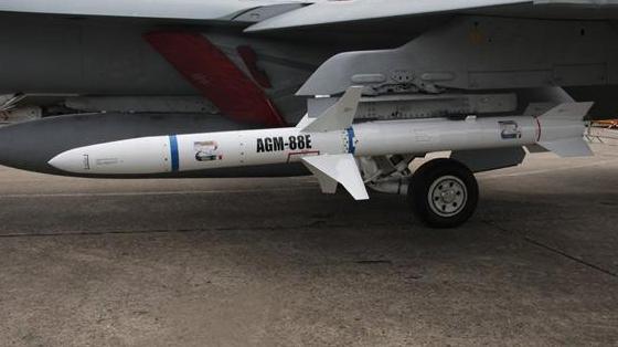 绿媒曝美国防部批准改售台湾新型AGM-88E导弹