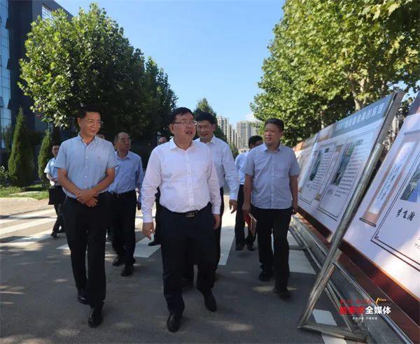 杨洪涛走访山东农业大学、泰安一中,向全市广大教师致以节日问候