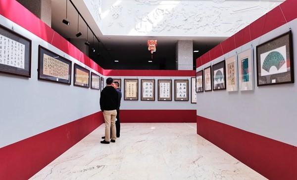 韩昀芝个人书法展在拉萨举行