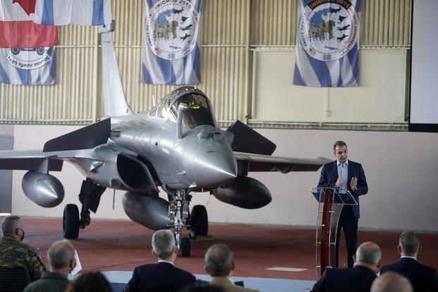 """希腊接收首架法国""""阵风""""战斗机,外媒点名土耳其"""
