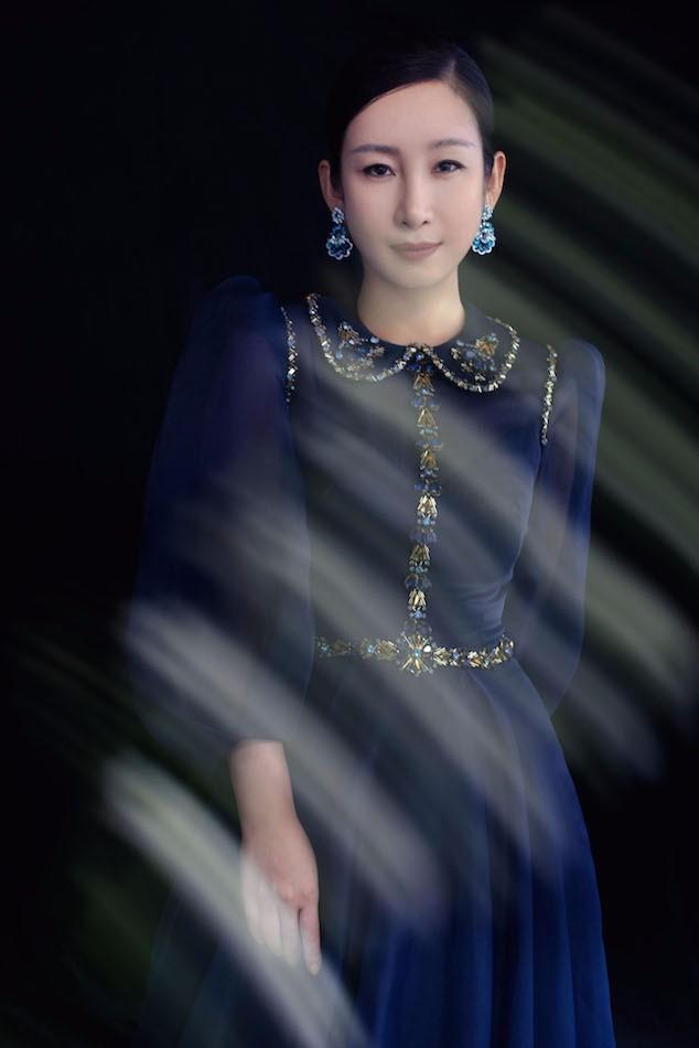 秦海璐出席第27届白玉兰颁奖典礼