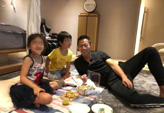 汪小菲陪老婆庆祝44岁生日 S妈曝大S非常开心