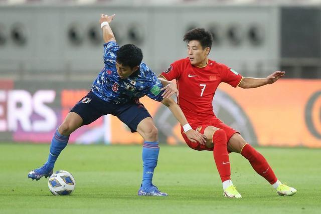 世预赛国足0-1不敌日本 4名归化球员登场