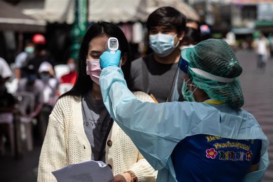 泰国单日新增新冠病例过千 首都疫情告急