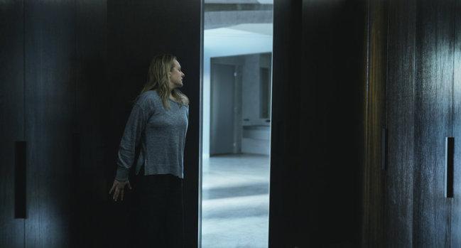 《隐形人》发布全新预告 恐惧降临打造极致惊悚