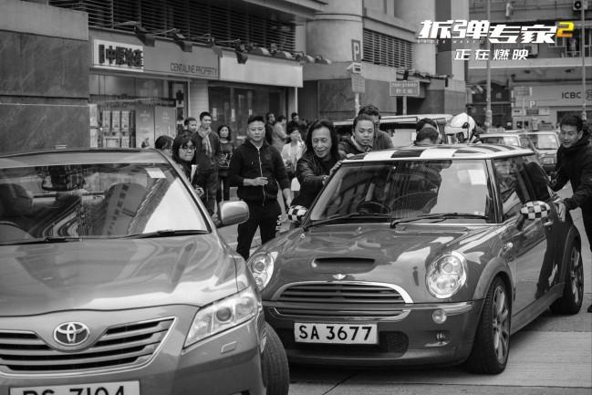 《拆弹专家2》票房破10亿 曝刘德华正片片段