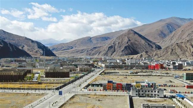 图为拉孜县城一角。(拉孜县委宣传部供图)