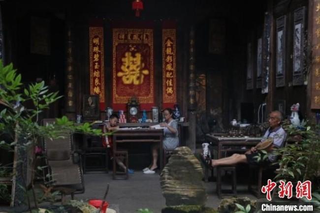 徽派建筑厅堂内景 刘浩 摄