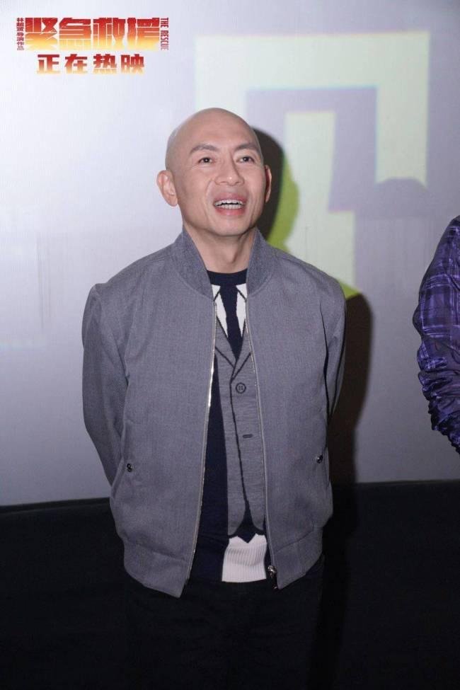 电影《紧急救援》东莞路演感动观众 导演林超贤为拍水