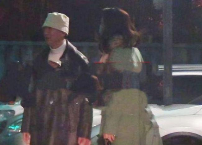 孙红雷与小15岁娇妻约会被拍 去酒吧嗨玩到深夜