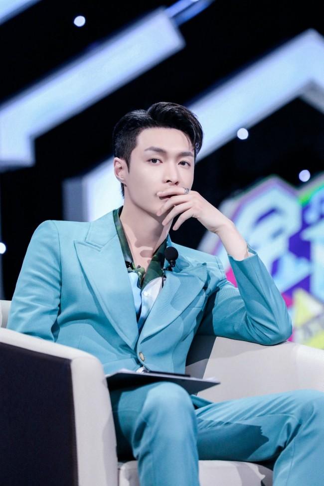 张艺兴召集六大厂牌 致力打造全新偶像格局