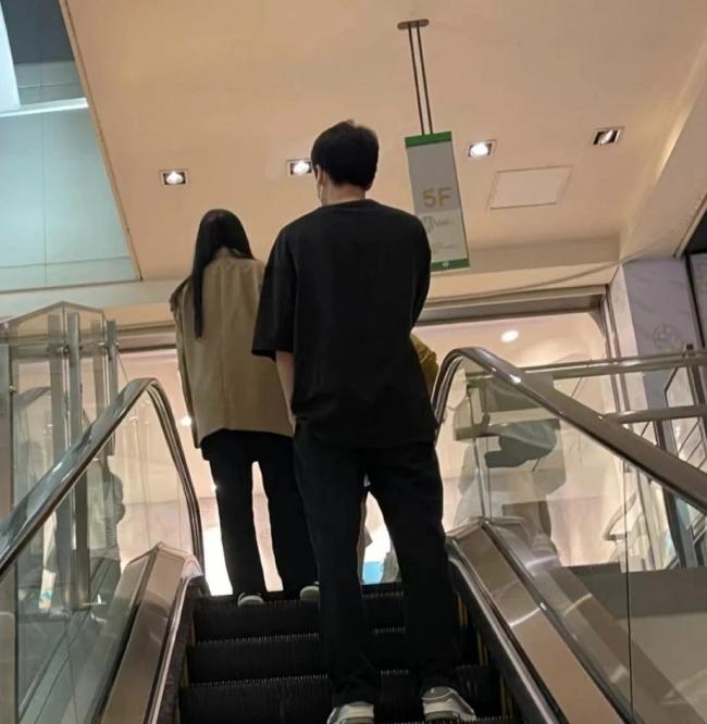 34岁刘亦菲近照曝光 零修图真实颜值太惊人