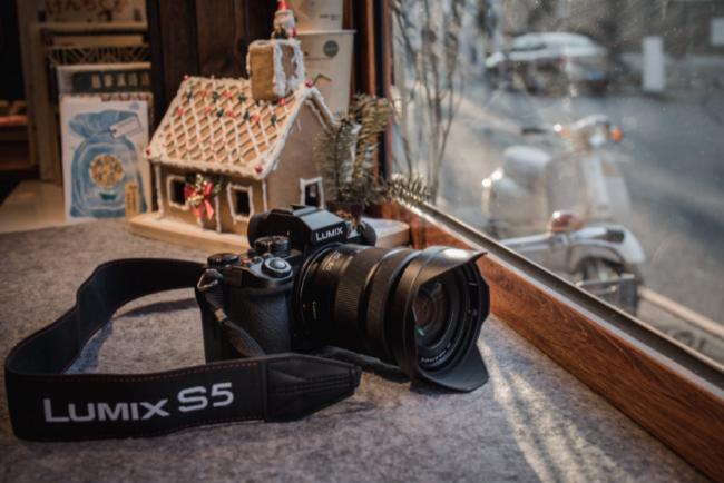 松下推出明星产品LUMIX S5 双原生ISO+DFD对焦系统