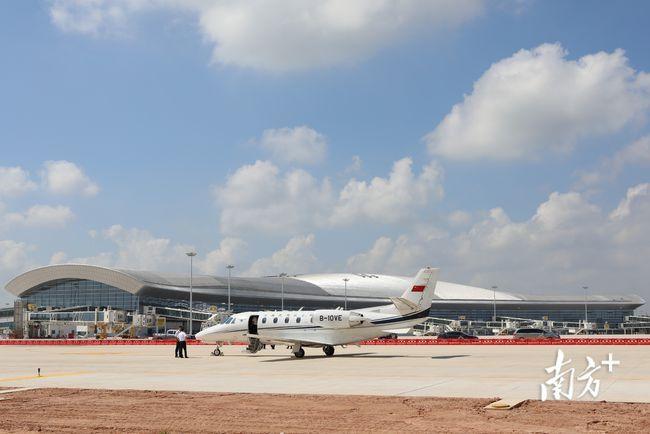湛江吴川机场投产飞行校验工作圆满结束 协助民航飞行校验中心申请飞行计划