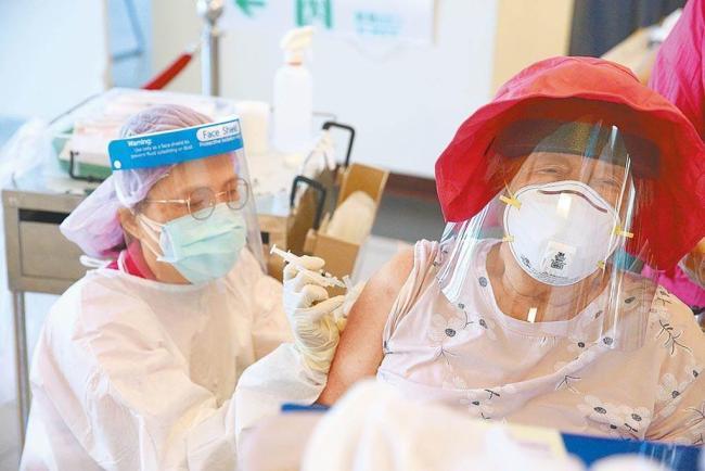接种日本捐赠的新冠疫苗后 全台累计11名老人猝死