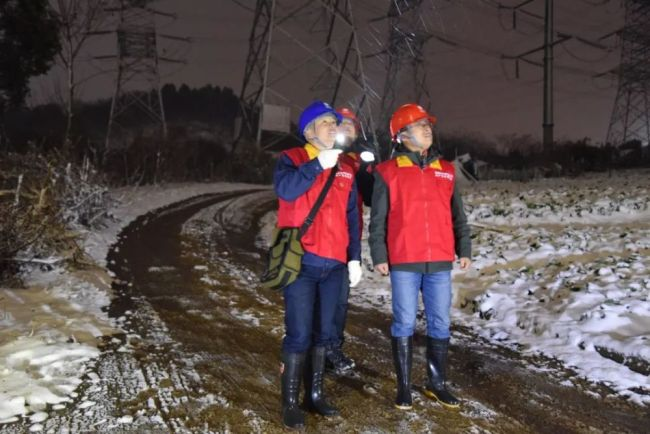 寒冬里,你们守护城市,我们温暖你!