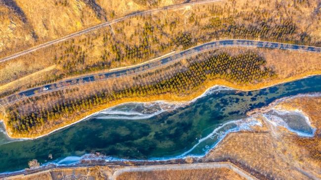 △2020年12月12日,北京永定河首次冬季生态补水。25年来,永定河首次实现京津冀区域联通。