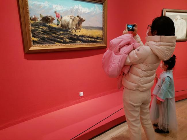 """过新年,中国美术馆为观众送""""福"""""""