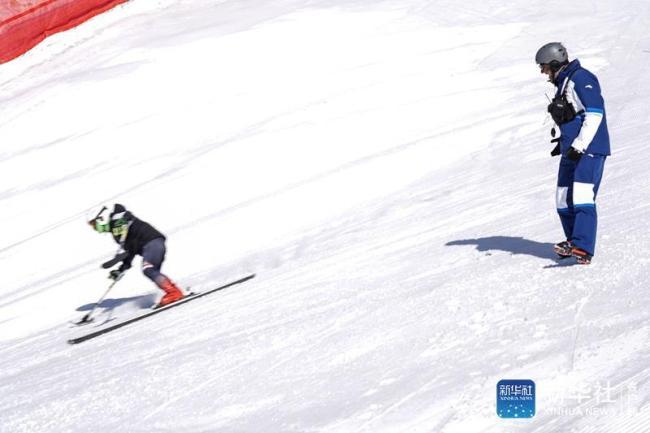 走近冬奥|从0到1的跨越:意大利籍教练见证中国残疾人高山滑雪项目发展