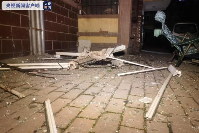 黑龙江哈尔滨一民宅煤气罐发生爆炸 1人受伤