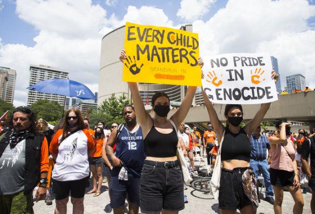 全球连线 | 虐待、性侵……加拿大原住民寄宿学校幸存者讲述噩梦经历