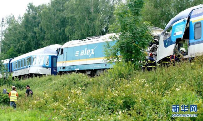 捷克发生火车相撞事故致3死数十伤