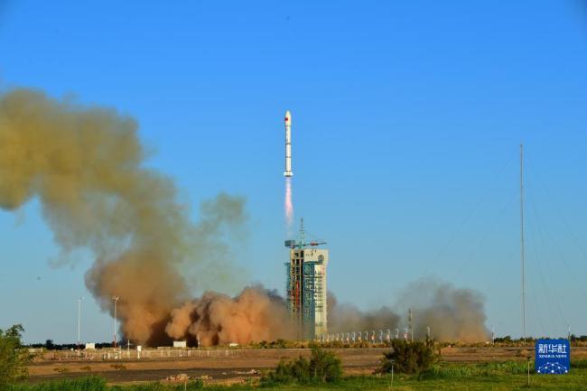 我国成功发射融合试验卫星01/02星