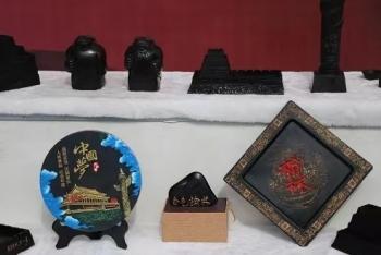 """榆林国际煤博会""""黑色艺术品""""吸睛"""